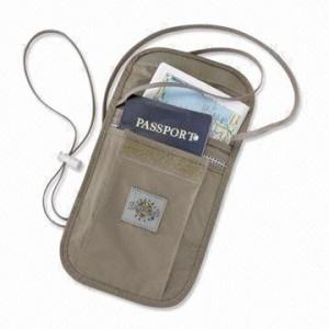 design intemporel 8ed85 e4afc Guide des meilleures pochettes pour passeport | Mode Sac
