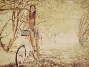girl-autumn-forest-tree-photography-vintage-bicycle-widescreen